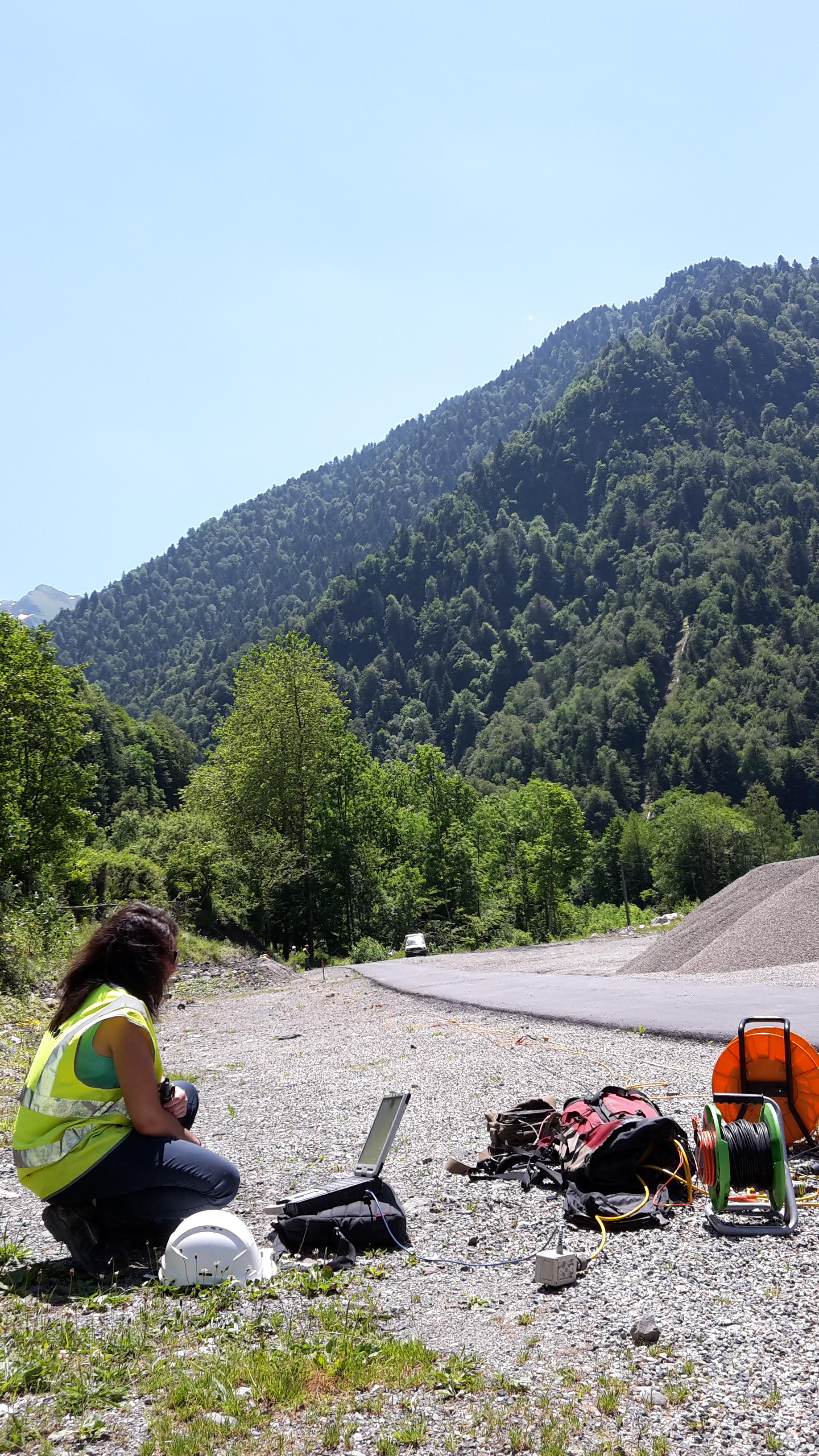 Investigation par méthode sismique dans la cadre de la modification du tracé d'une RD sur la commune de Bagnères de Luchon