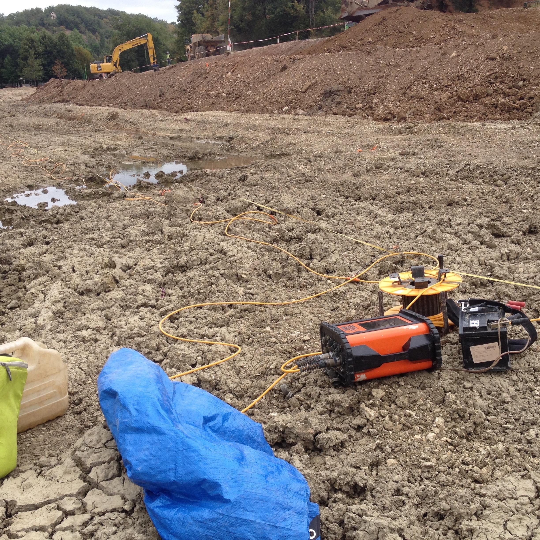 Dans le cadre de la construction d'une digue sur un étang à Catus (46), une investigation par panneau électrique a été réalisée.