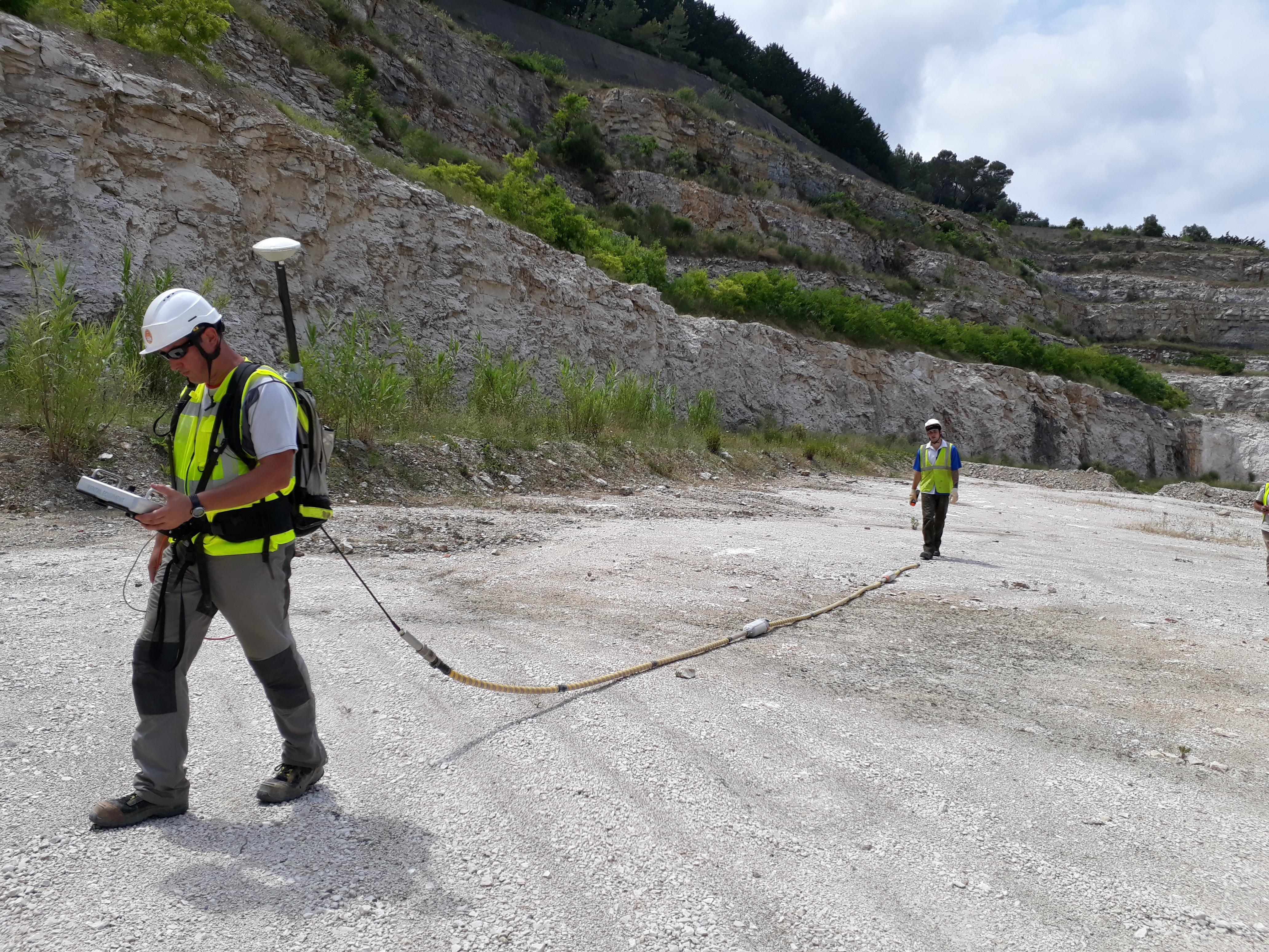 Carrière de dolomie à Pont de Peille (06) – Recherche de phénomène de karstification par méthodes du panneau électrique et du géoradar avec antenne TBF